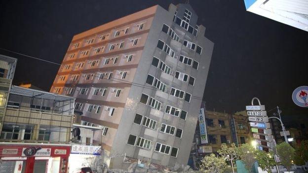 Nhà bị đổ do chủ quan không thi công chống văng nhà tại Cầu Giấy - Hà Nội