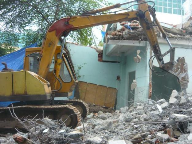 Phá dỡ công trình số nhà 206 Trường Chinh