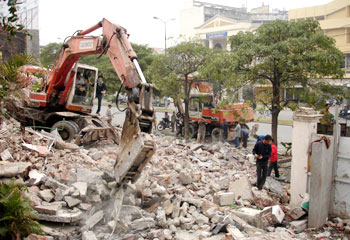 Phá dỡ công trình tại Số 28 Trần Cung - Cầu Giấy - Hà Nội - Công Ty Duy Tuấn