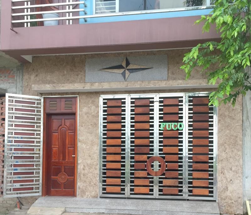lắp đặt cửa inox 4 cánh tại Hà Nội