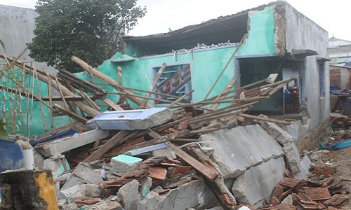 Tai nạn đổ nhà bên cạnh khi xây dựng nhà mới không thi công chống văng nhà