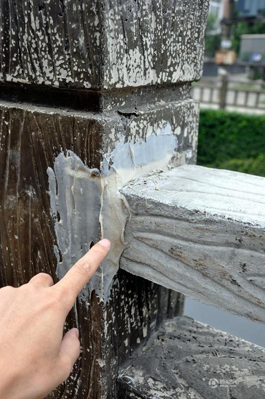 Chiêm ngưỡng Lan can đường bê tông độn... ruột xốp tại Trung Quốc